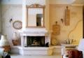 Роспись в особняке.Имитация старой штукатурки на стене и лепного узора на камине